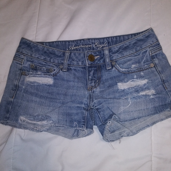 American Eagle Outfitters Pants - American eagle distressed shorts